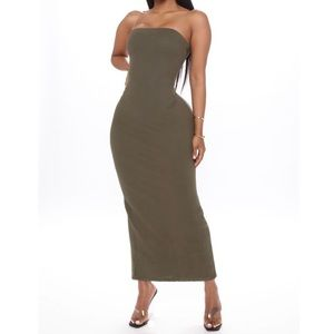 Bodycon Strapless Maxi Dress With Slit Back